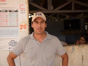 James Çavaleta diz que empresas peruanas não transportam africanos (Foto: Yuri Marcel/G1)