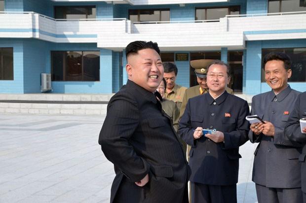 """ditador divulga foto tirando sarro dos EUA   """"TRUMP perdeu a paciência"""","""