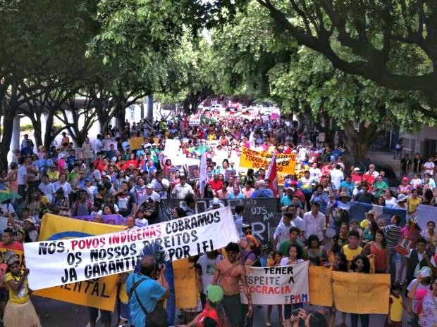 Grito dos Excluídos reuniu manifestantes em Manaus (Foto: Isis Capistrano/G1 AM)