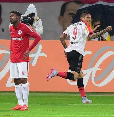 1a5ee79cfc Guerrero comemora gol Inter x Flamengo (Foto  VINíCIUS COSTA FUTURA  PRESS ESTADÃO