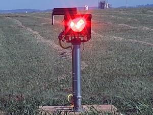 PAPI Aeroporto Uberaba  (Foto: Reprodução/TV Integração)