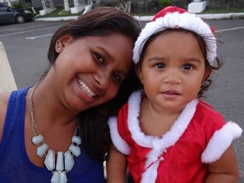 Natália fantasiou a filha Estér especialmente para o evento  (Foto: Katherine Coutinho / G1)