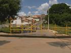 Ponte que faz a ligação entre dois bairros é interditada em Lavras, MG