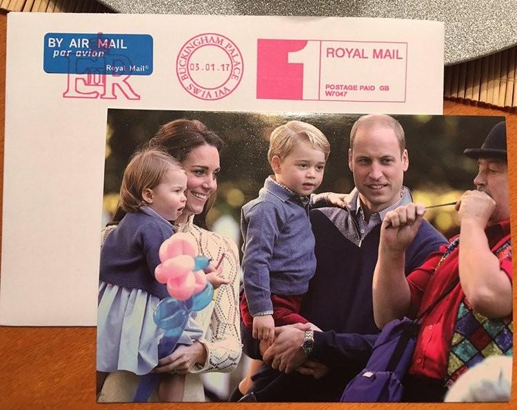 O cartão de Natal 2016 da família real britânica (Foto: reprodução / Twitter)