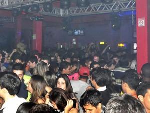 Casa noturna Chez Moi fica lotada em dias de festa (Foto: Divulgação/Site Chez Moi)