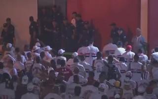 Confusão em jogo do São Paulo na Copinha (Foto: reprodução)