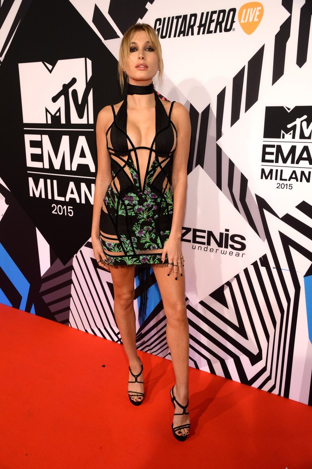 Hailey Baldwin no MTV Europe Music Awards 2015 (Foto: Getty Images)