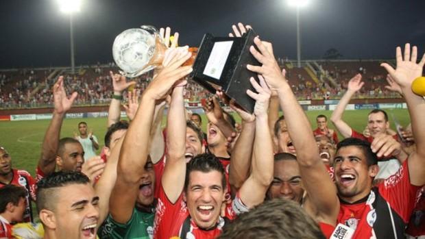 Jogadores do JEC comemoram o título da Copa SC (Foto: Divulgação, JEC)
