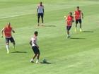Holanda se prepara para enfrentar o México neste domingo (29)