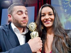 Luciana e Max durante a premiação, em Gramado (Foto: Divulgação)