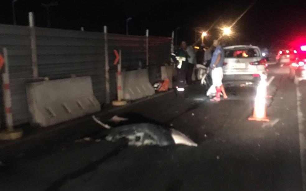 Acidente aconteceu na noite de terça-feira (11), na Estrada do Coco (Foto: Victor Lacerda/ Arquivo Pessoal)