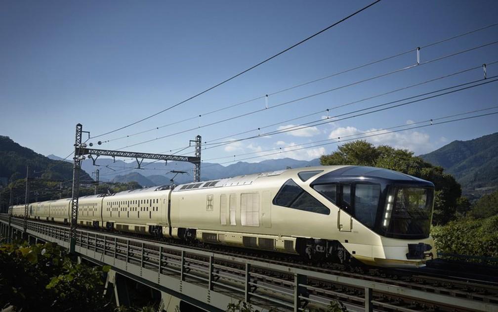 A East Japan Railway Company anunciou o serviço em 2014, mas talvez nem o mais otimista executivo previsse tanta demanda: um sorteio para a compra de assentos para o primeiro trajeto teve 76 vezes mais interessados do que lugares disponíveis (Foto: JR East)