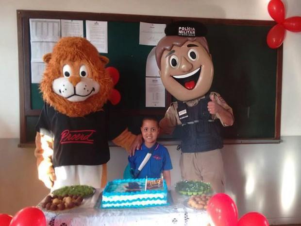 PM faz festa para garoto de seis anos que sonha em ser Policial Militar (Foto: Polícia Militar/Divulgação)