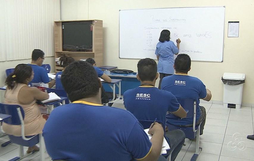 Jovens e adultos voltam à sala de aula (Foto: Jornal do Amazonas)