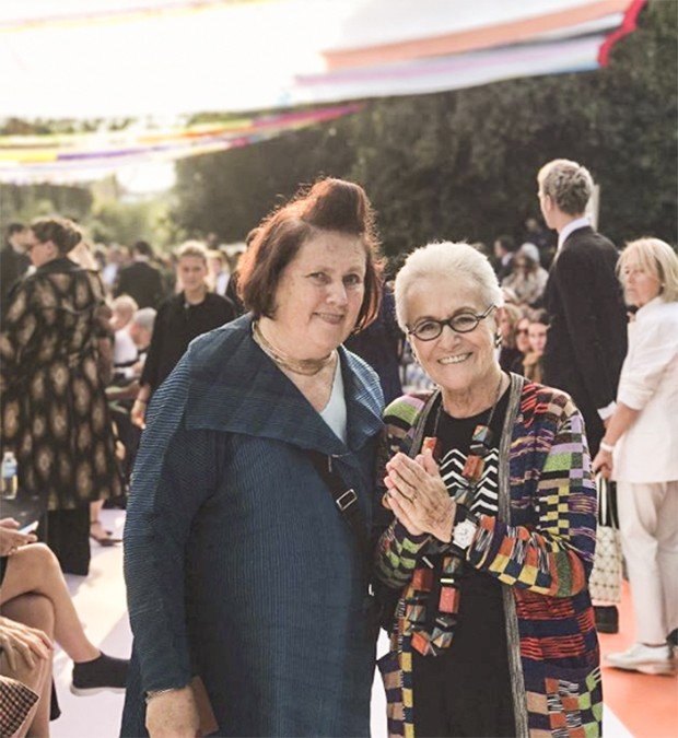 Rosita Missoni says she never interferes with her daughter Angela's Work (Foto: @suzymenkesvogue)