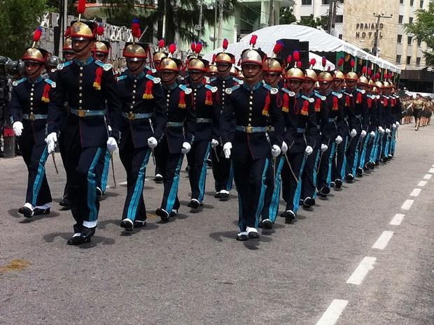 Desfile cívico-militar em Fortaleza (Foto: Diana Vasconcelos/G1 CE)
