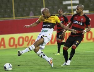 Souza Criciúma x Vitoria (Foto: Fernando Ribeiro/criciumaec.com.br)