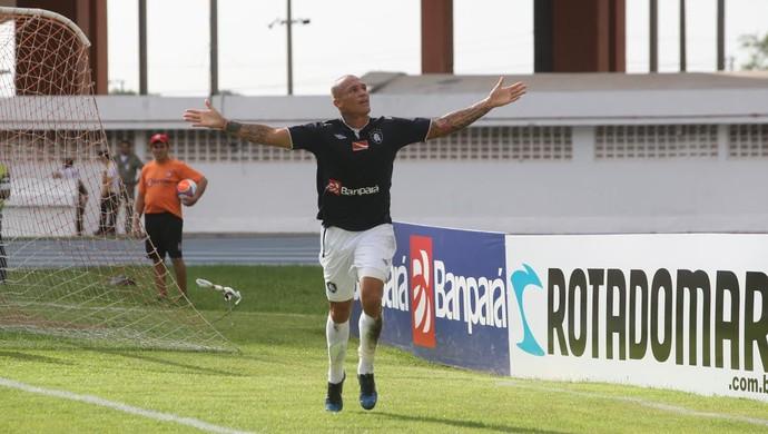 Leandrão marcou o primeiro dele com a camisa do Leão (Foto: Tarso Sarraf / O Liberal)