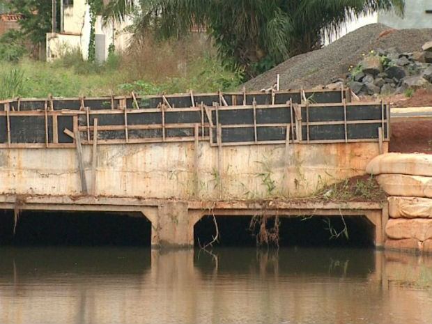 Prefeitura de Barretos suspende obras investigadas por suspeita de fraude em licitações (Foto: Antonio Luiz / EPTV)