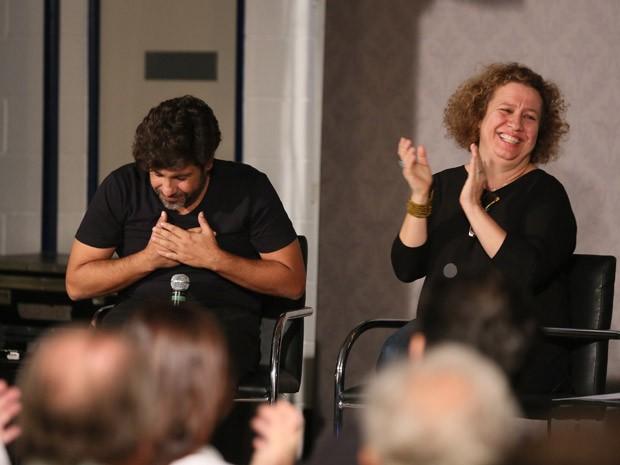 O diretor geral Pedro Vasconcelos e a diretora de produção Carla Mendonça apresentam a nova novela das 6  (Foto: Isabella Pinheiro/TV Globo)