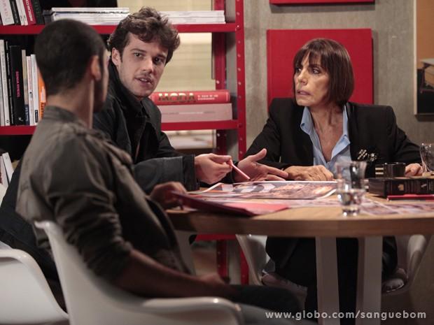 Maurício fica indignado com a aprovação de Silvia e Jonas (Foto: Sangue Bom / TV Globo)