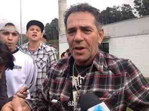 Pai de MC Daleste afirma que filho foi morto por inveja (Foto: Letícia Macedo/G1)