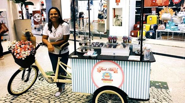 Gabriela Neves e sua Sweet Bike (Foto: Reprodução / Facebook )