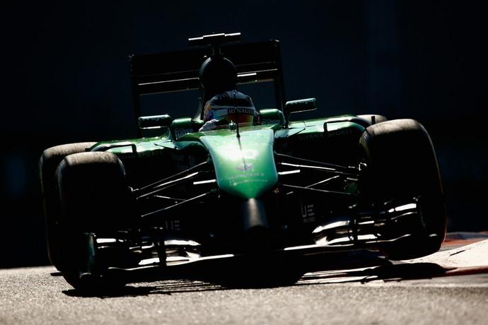 Kamui Kobayashi com a Caterham em treino para GP de Abu Dhabi (Foto: Getty Images)