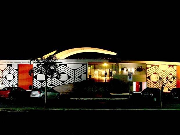 Vista noturna do Memoriial dos Povos Indígenas, em Brasília (Foto: Divulgação)