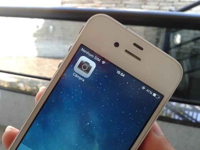iOS: compartilhe fotos acessando a câmera pela tela bloqueada (Foto: Marvin Costa/TechTudo)