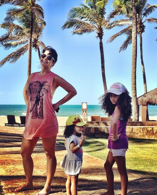 Samara Felippo e as filhas Alicia e Lara (Foto: Reprodução / Instagram)