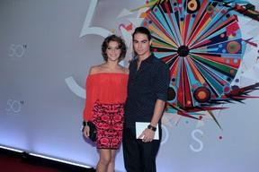 Isabella Santoni e Rafael Vitti  (Foto: Marcello Sá Barretto e Alex Palarea / AgNews)
