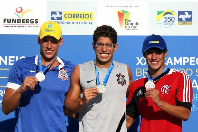 Fernando Ernesto, terceiro, divide o pódio com (Foto: Foto: Satiro Sodre/SSPress)