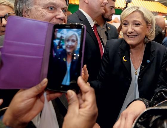 A candidata Marine Le Pen,da frente Nacional,que deve estar no segundo turno das eleições presidenciais francesas (Foto: Regis Duvignau / Reuters)