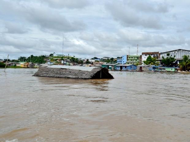 Famílias desabrigadas foram encaminhadas para aluguel social (Foto: Vanísia Nery/ G1)