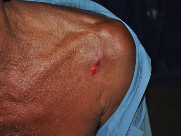 Idoso é agredido pelo próprio filho na cidade de Itamaraju, no sul da Bahia. (Foto: Danuse Cunha/Itamaraju Notícias)