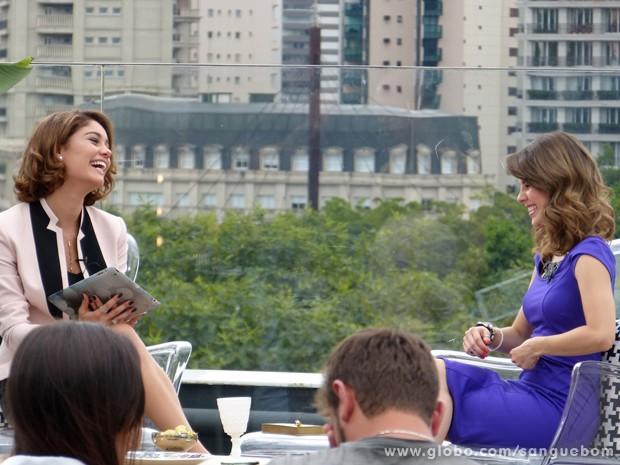Sandy e Sophie são pura diversão e entrosamento na gravação (Foto: Sangue Bom/TV Globo)
