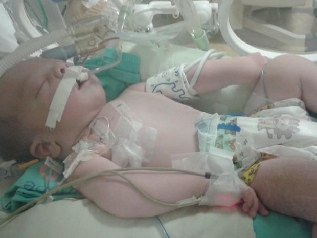 Lucca Cardoso, morreu três dias após o nascimento; fámilia quer justiça (Foto: Lúcia Nogueira Bezera/Arquivo)