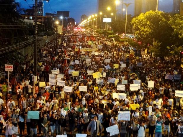 Protesto Belém Manifestação Livre BRT Mercado São Brás (Foto: Gil Sóter/ G1 PA)
