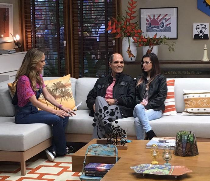 Ana Furtado conversa com Paulo e Catarina (Foto: Thais Reis/Gshow)