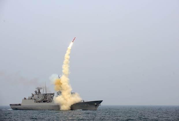 Imagem do Ministério da Defesa da Coreia do Sul divulgada nesta quinta-feira (14) mostra o teste do míssil de cruzeiro (Foto: AFP)