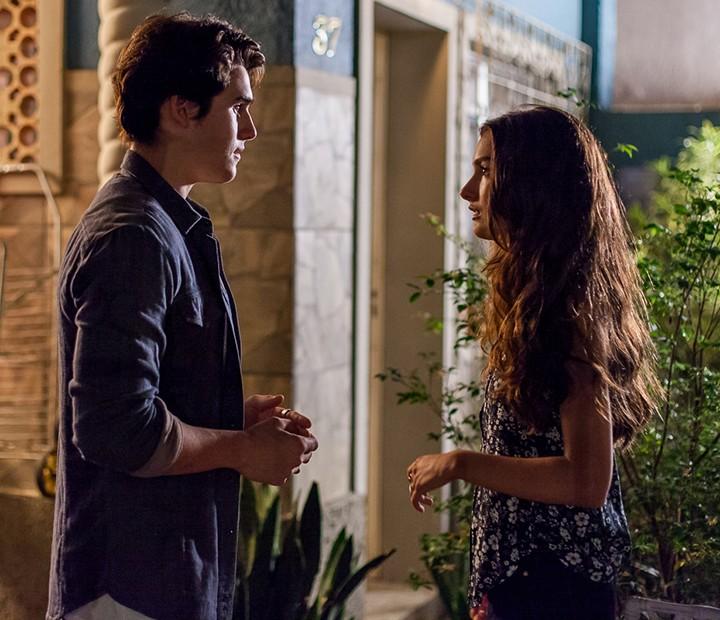 Luciana resolve revelar toda a verdade para Rodrigo (Foto: Artur Meninea/Gshow)