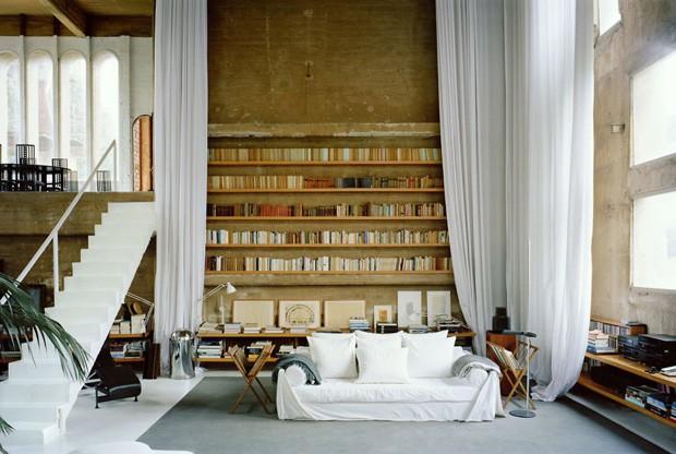 Um dos silos abriga a biblioteca de Roberto Bofill (Foto: Reprodução/Quiosque digital)