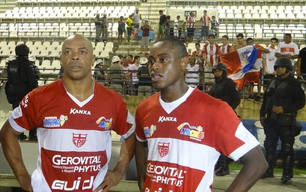 Denilson e Zé Paulo, atacantes do CRB (Foto: Leonardo Freire/GLOBOESPORTE.COM)