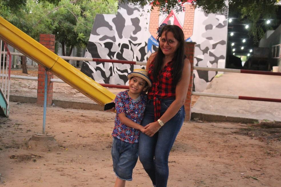 Crianças e adolescentes que praticam equoterapia participam de animada festa junina de projeto da Polícia Militar do Piauí  (Foto: Samantha Araújo/ G1)