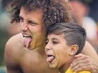 David Luiz homenageia menino que invadiu treino da seleção