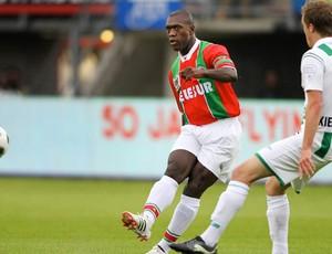 Seedorf joga amistoso na Holanda (Foto: Divulgação)