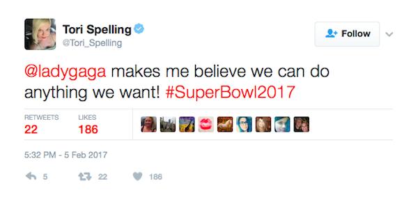 A mensagem compartilhada pela atriz Tori Spelling (Foto: Twitter)