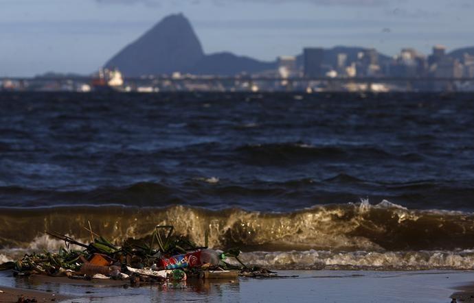 Baía de Guanabara poluição (Foto:  REUTERS/Ricardo Moraes)
