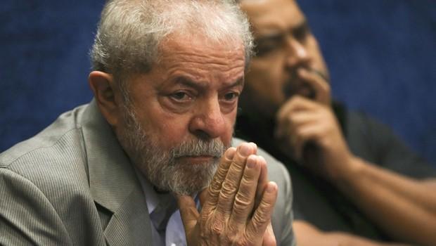O ex-presidente Luiz Inácio Lula da Silva assiste ao depoimento da presidente afastada, Dilma Rousseff, no Senado (Foto: Marcelo Camargo/Agência Brasil)
